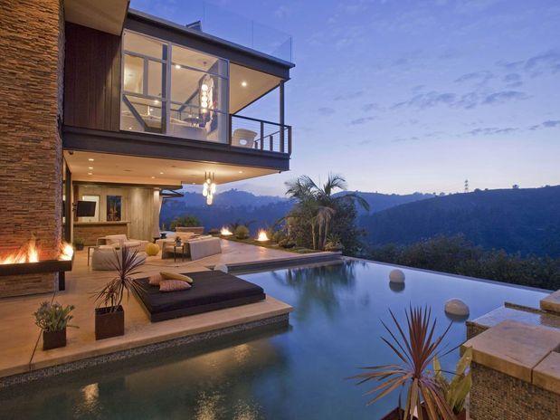 Justin Bieber compra mansão com cinema privado
