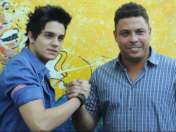 Ronaldo anuncia que vai administrar imagem de Luan Santana