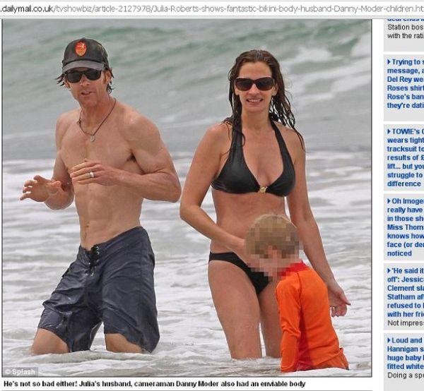 Sem Photoshop, Julia Roberts mostra corpão ao usar biquíni em praia