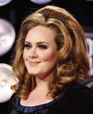 Adele é a cantora jovem mais bem sucedida da Inglaterra
