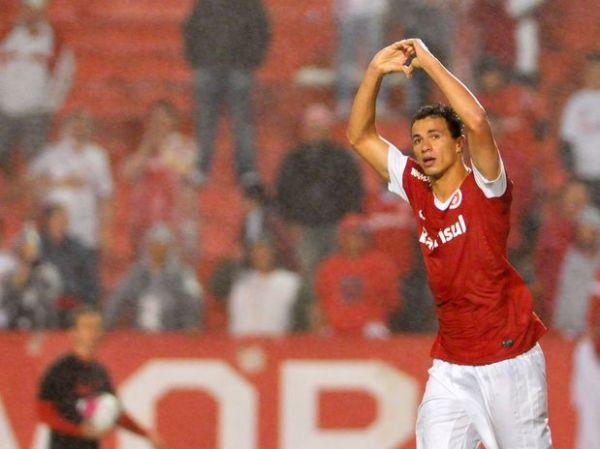 Internacional vence e vai à semifinal do Campeonato Gaúcho