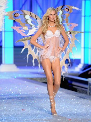 Top alemã é a nova Angel da Victoria