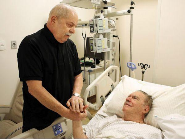 Após sessão de fono, Lula visita Sarney em SP
