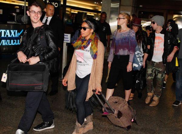 Depois de curtir o Rio e cantar na cidade, Demi Lovato chega a SP para show
