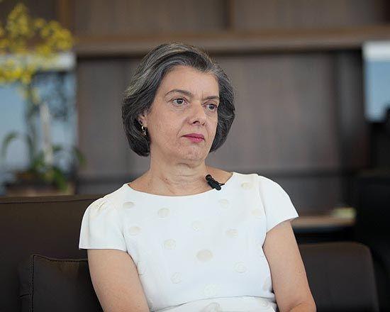 Mensalão pode ser julgado no período eleitoral, diz Cármen Lúcia