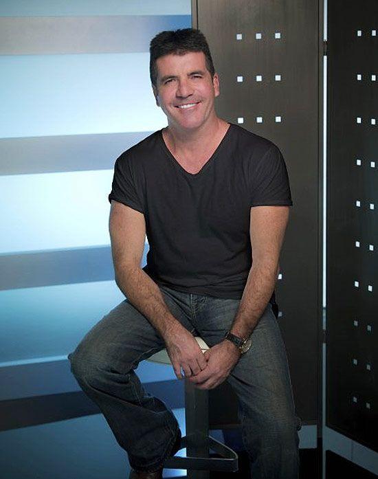Simon Cowell é furtado por garota em quarto de hotel