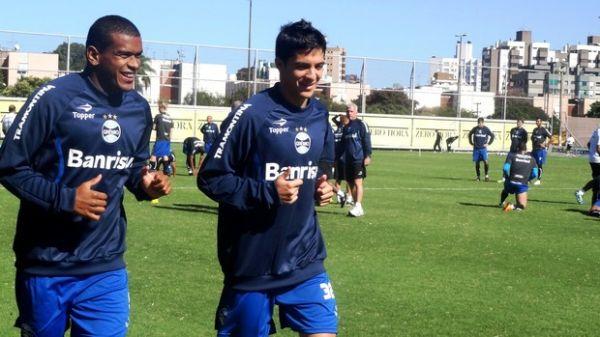 Após 21 dias, Moreno volta a treinar com o grupo e vira opção no Gre-Nal