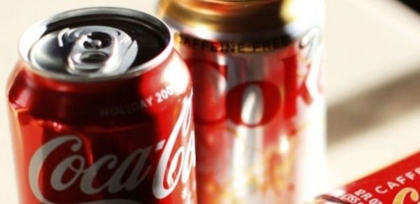 Coca-Cola planeja cortar pela metade o valor de suas ações