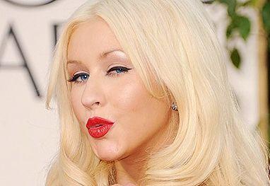 Christina Aguilera tem assistente pessoal para massagens nos pés