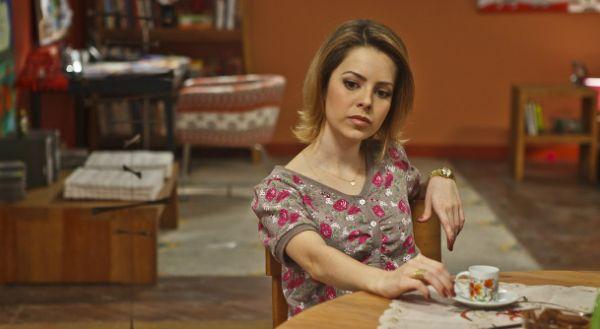 Em As Brasileiras, Sandy arrasa como Gabriela e ri de si mesma