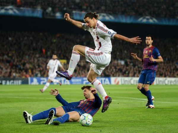 Em jogo polêmico e com recorde de Messi, Barça elimina Milan