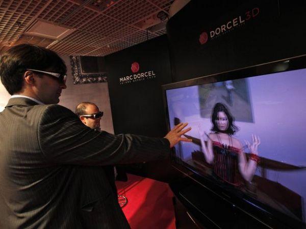 Indústria mostra filmes eróticos em 3D em feira em Cannes