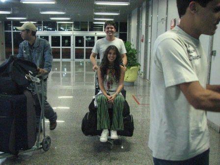 Paula Fernandes está namorando baterista da sua banda