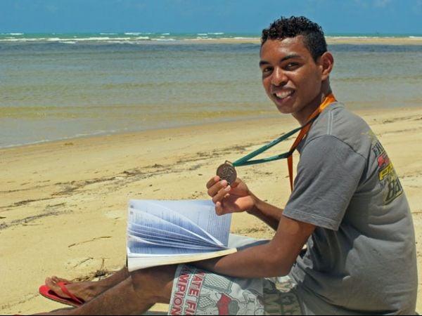 Filho de pescador, Indiana Jhones é campeão brasileiro de matemática