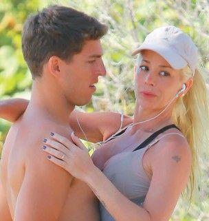 Veja fotos de Danielle Winits com o novo namorado em Miami