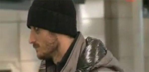 Riera é visto com olho roxo após brigar com Felipe Melo