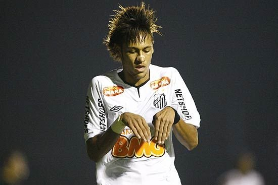 Famoso por dribles, Neymar diz que