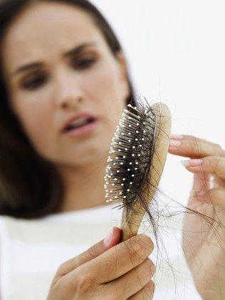 Calvície feminina: causas e tratamentos