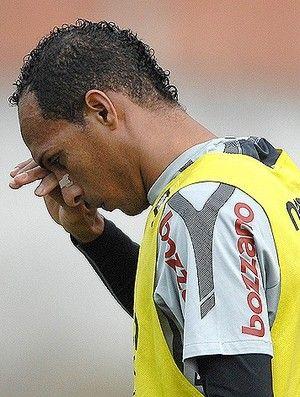 Renovação emperra, e Liedson pode até deixar o Corinthians