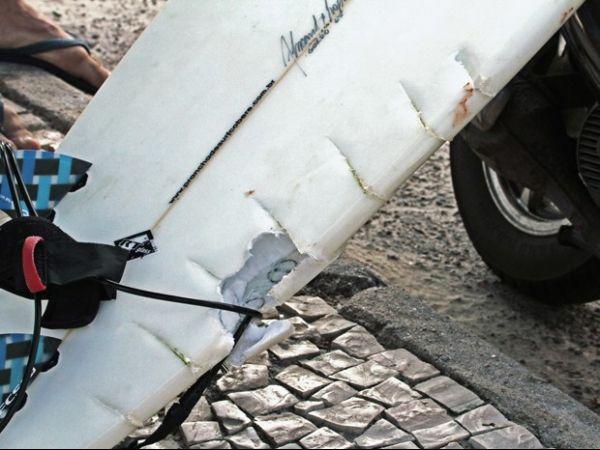 Polícia identifica condutor de lancha que atropelou lutador na Barra