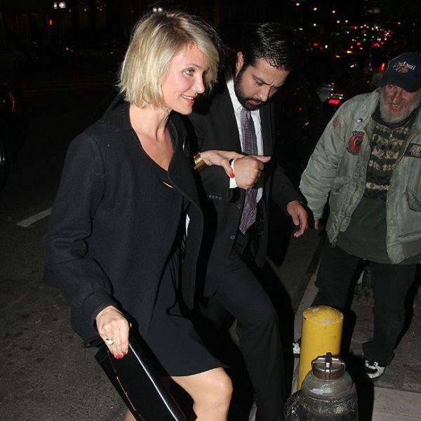 Cameron Diaz vai à festa de noivado de Drew Barrymore