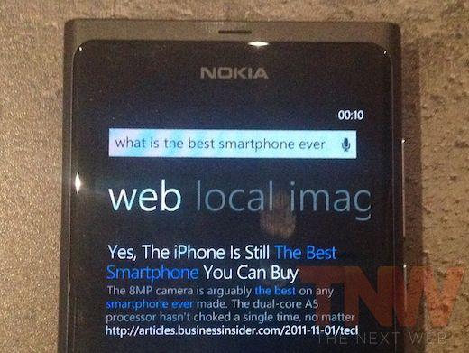 Lumia 800 retribui gentileza e diz que iPhone é o melhor celular