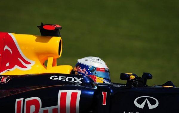 Vettel cresce no fim e é o mais rápido no terceiro treino livre na Catalunha