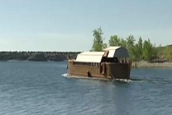 Americano constrói réplica em tamanho menor da Arca de Noé