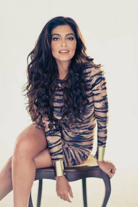 De oncinha, Juliana Paes divulga ensaio em site oficial