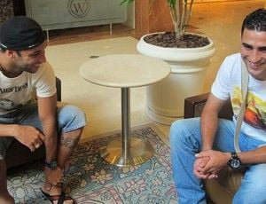 Largo sorriso e ?boa sorte? de Neymar marcam retorno de Ibson ao Fla