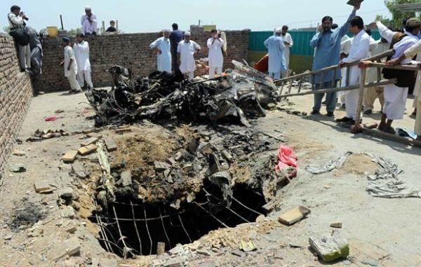 Durante treinamento, aviões se chocam; acidente deixa 4 mortos