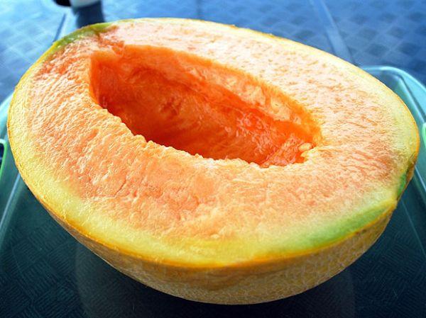 Melões do tipo Yubari são leiloados por R$ 24 mil no Japão