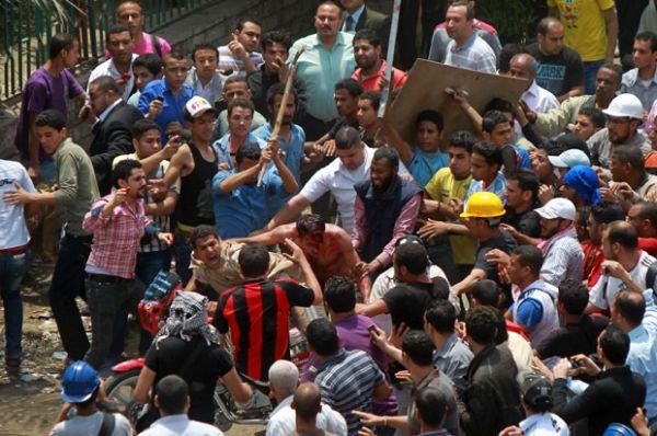 Número de mortos em confrontos de rua no Egito sobe para doze