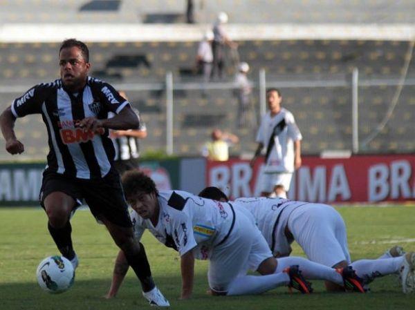 Argentino marca no fim e Atlético-MG bate a Ponte Preta