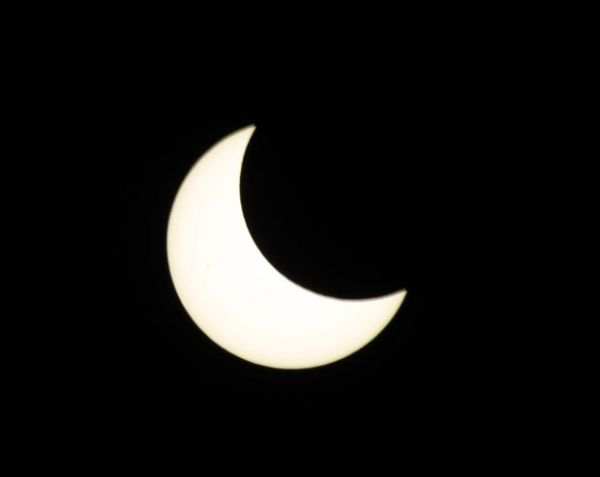 Eclipse solar é visto no Hemisfério Norte