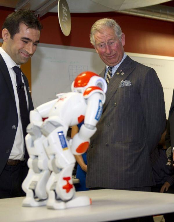 Príncipe Charles e esposa se divertem em visita ao Canadá