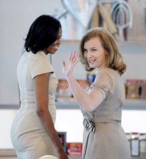 Primeira-dama da França recebe conselhos de Michelle Obama