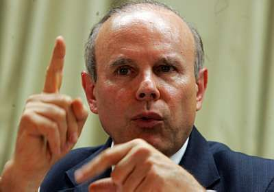 Governo estuda medidas para a reestruturação de dívidas, diz Mantega