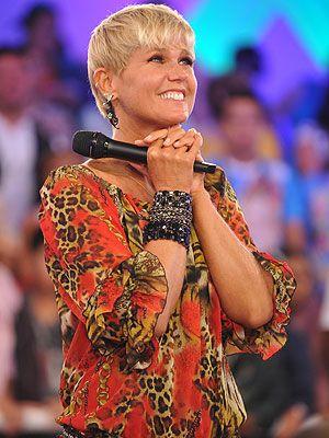 Xuxa pede orações para sua mãe: