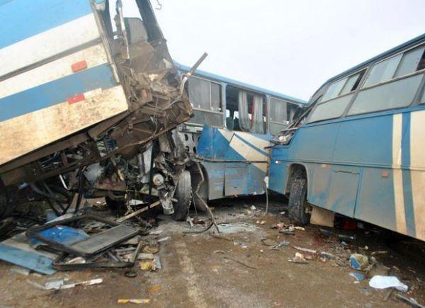 Acidente na BR-101 já gerou mais de 200 feridos e 6 mortos, diz secretaria