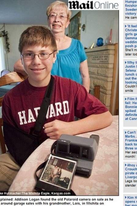Adolescente compra câmera usada e encontra foto de tio morto há 23 anos