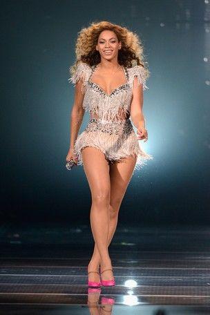 Jornal: Beyoncé diz que emagreceu 27 kg após dar à luz