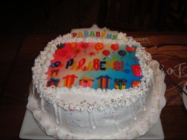 Priscila comemora um mês do filho e aniversário de casamento