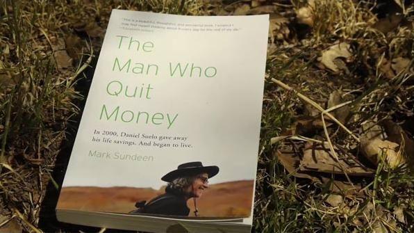 Americano que renunciou o dinheiro vive em caverna a 12 anos