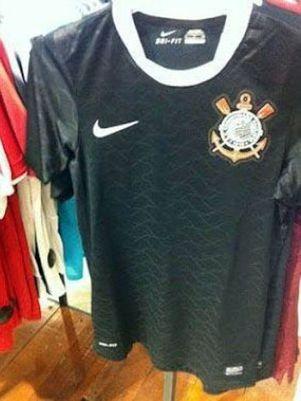 Suposta nova camisa reserva do Corinthians vaza na internet
