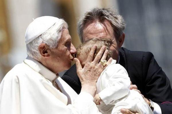 Papa Bento XVI fala pela 1º vez após escândalo envolvendo mordomo