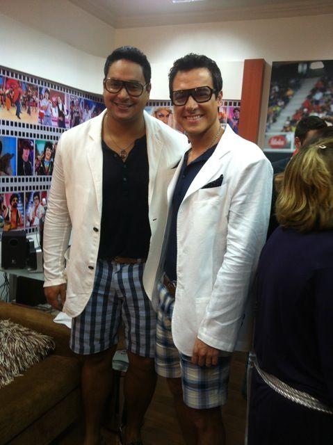 Rodrigo Faro se veste como Xanddy para gravar programa