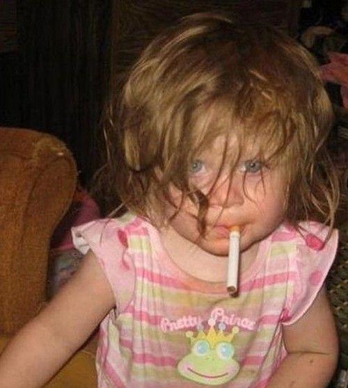 Blog mostra crianças  em situações bizarras  e seus pais sem noção