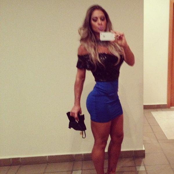 De vestido coladinhho, ex-bbb Mayara exibe corpão no Twitter