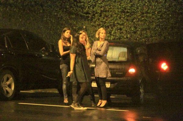 Nathalia Dill e outros famosos são parados em blitz da Lei Seca